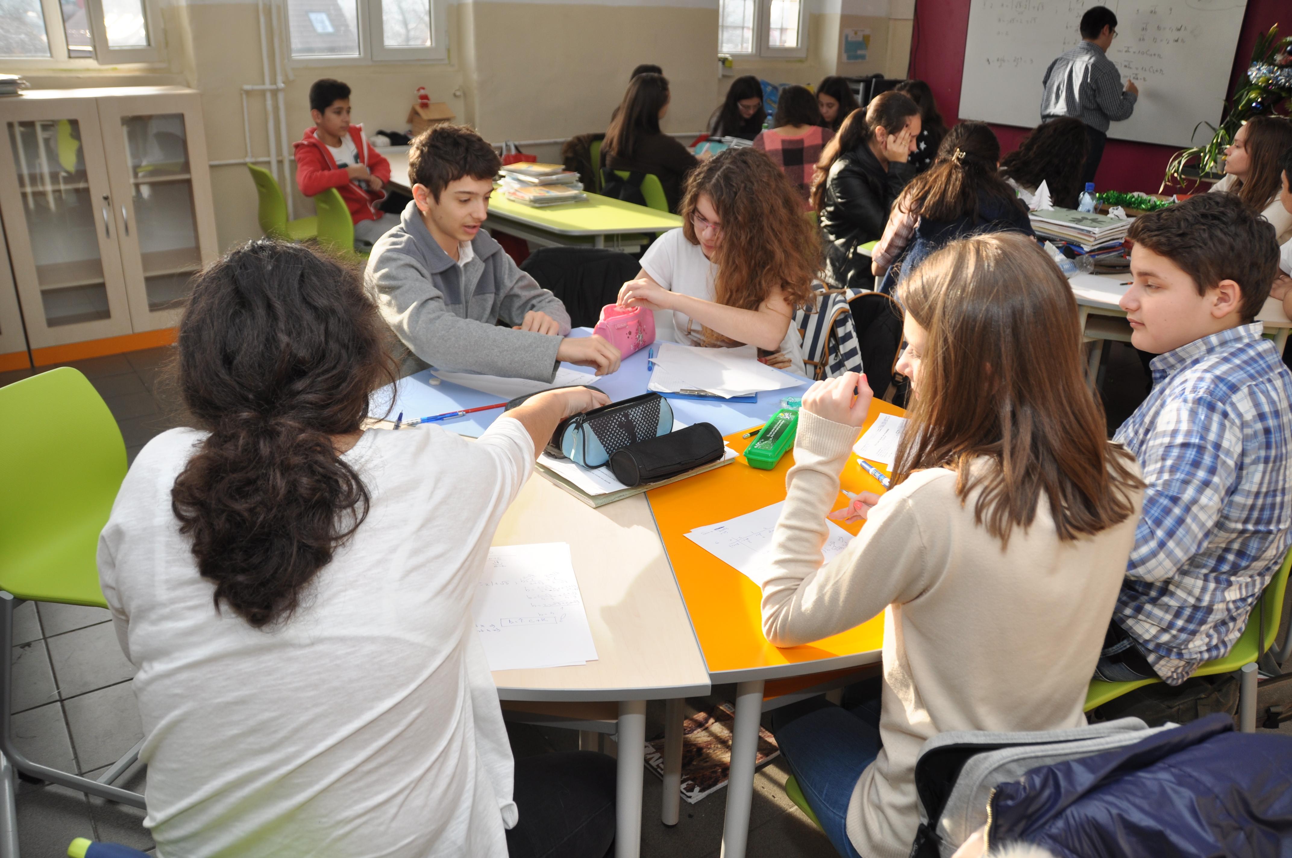 Mobilier scolar de laborator MATTE CREATIV
